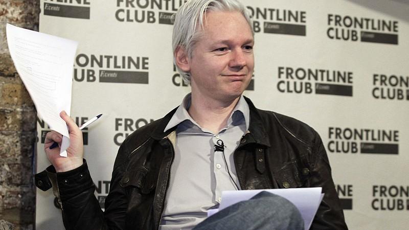 WikiLeaks-Gründer Julian Assange kündigte für die kommenden Tage weitere spektakuläre Veröffentlichungen an.