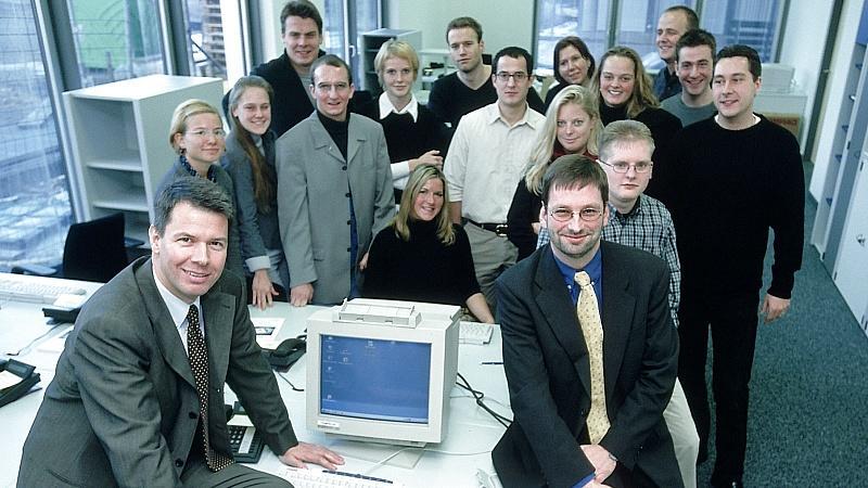 Seit 2001 kümmern sich Gründungsdirektor Peter Kloeppel und Geschäftsführer Leonhard Ottinger um den Nachwuchs.