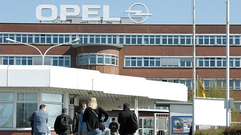 Existenzangst in Bochum zermürbt Arbeiter bei Opel.
