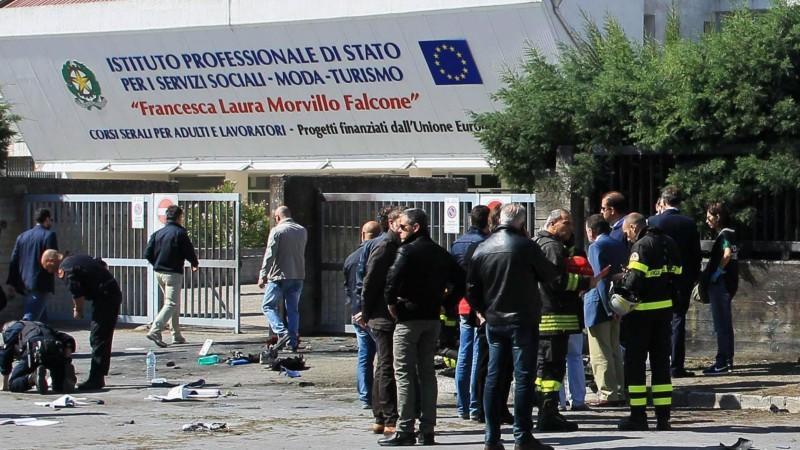 Bombenexplosion, Süditalien, Schule, Tote