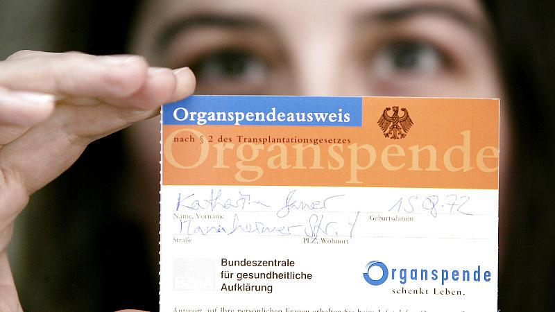 Spenden oder nicht? Im Organspendeausweis können Sie Ihre Entscheidung bezüglich der Organspende eintragen.