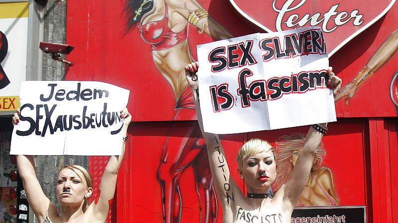 Die ukrainische Polizei bestätigte die Festnahme von zwei 'Femen'-Aktivistinnen nach dem gestrigen EM-Spiel in Donezk.