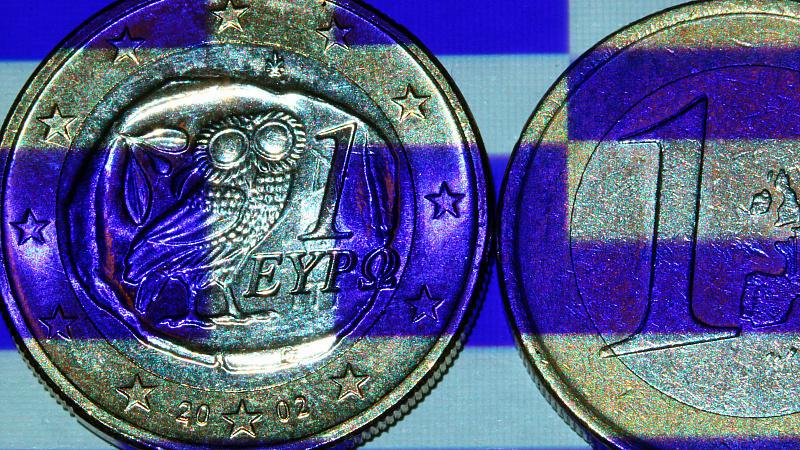 Die Troika von EU-Kommission, Europäischer Zentralbank (EZB) und Internationalem Währungsfonds (IWF) prüft zurzeit, wie weit Griechenland vom vereinbarten Spar- und Reformweg abgewichen ist.