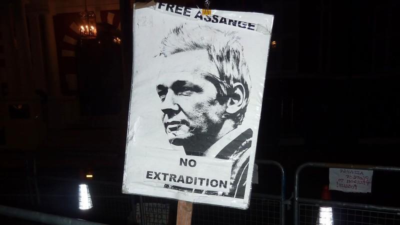 Schaltet sich nun Amerika ein? Assange sorgt weiter für diplomatische Spannung zwischen London und Quito.