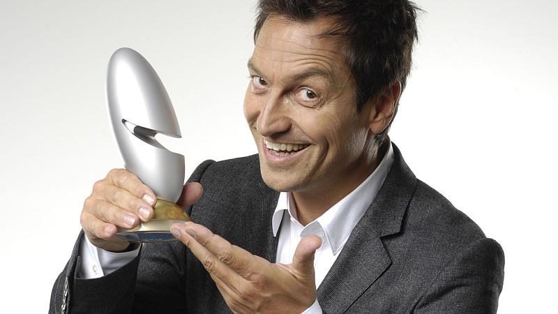 """Top-Comedian Dieter Nuhr moderiert den """"Deutschen Comedypreis"""" 2012 bei RTL."""