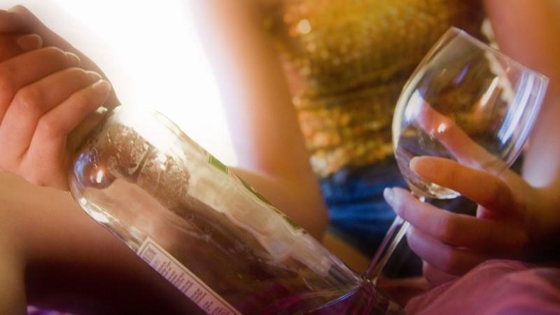 So erkennen Sie eine Alkoholabhängigkeit.