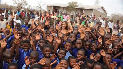 RTL-Spendenmarathon: Nazan Eckes weiht Schule in Malawi ein