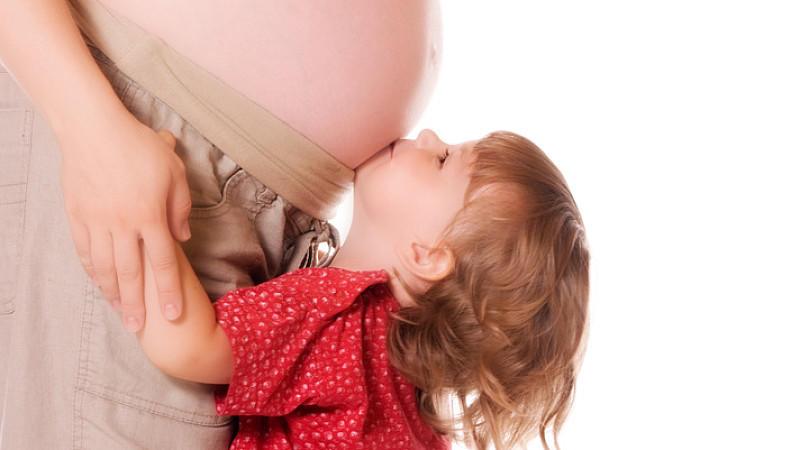 Ein Baby in Beckenendlage (Steißlage) liegt am Ende der Schwangerschaft nicht mit dem Kopf nach unten im Mutterleib, sondern mit dem Becken