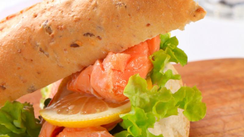 Motsi Mabuse: Baguette mit Spinat und Lachs