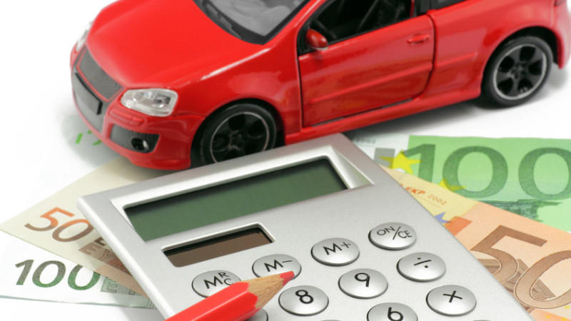 Erhöht sich die Prämie der Kfz-Versicherung, haben die Kunden ein Sonderkündigungsrecht.