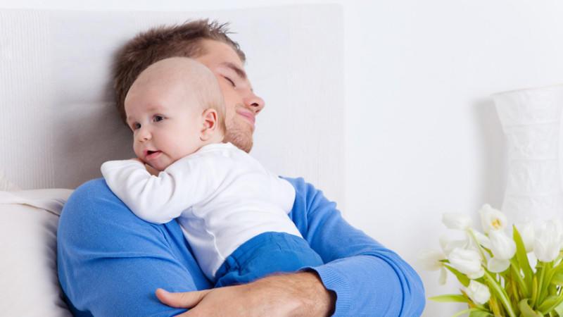Job und Familie unter einen Hut zu bekommen wird für Familien immer schwieriger, gerade für Alleinerziehende verschlechterte sich die Lage drastisch.