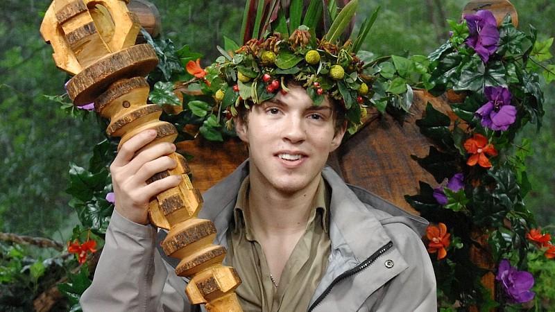 """Tag 16 - Joey Heindle ist der neue Dschungelkönig.  # Foto: RTL / Stefan MenneVerwendung der Bilder für Online-Medien ausschließlich mit folgender Verlinkung: """"Alle Infos zu """"Ich bin ein Star - Holt mich hier raus!"""" im Special bei RTL.de: http://www."""