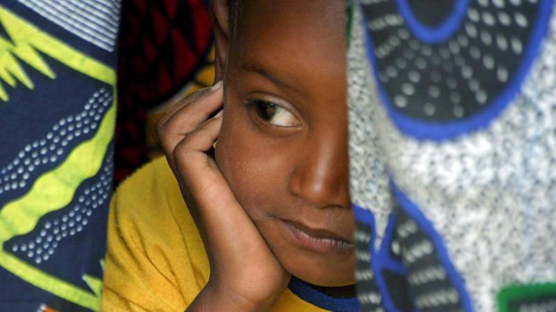Dorfvertreter in Senegal gegen Genitalverstümmelung von Mädchen