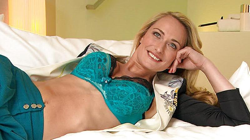 Eva Mona Rodekirchen super schlank nach dem Baby