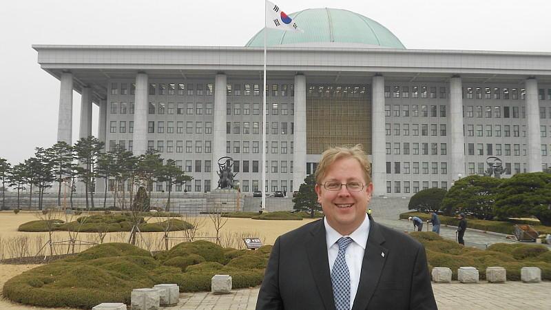 Korea-Experte Dr. Bernhard Seliger sieht die größte Gefahr darin, dass die Eskalationen unbeabsichtigt zum großen Konflikt führen.