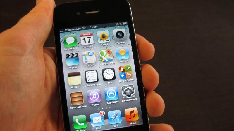 Geräte mit Apple-Betriebssystem sind von einer neuen Sicherheitslücke betroffen.