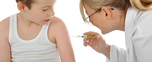 Impfung eines Kindes