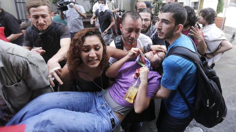 Bei Protesten in Istanbul gab es viele Verletzte.