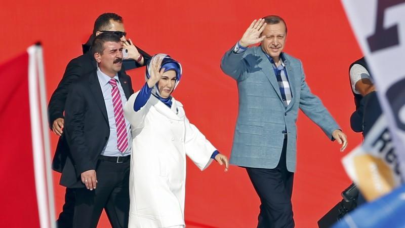 Erdogan setzt auf Härte und versammelt seine Anhänger hinter sich.