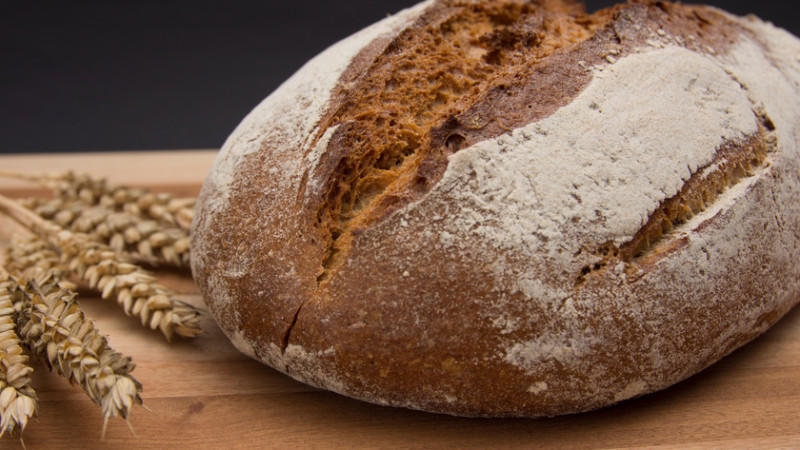 Julie wurde nach vergeblichen Versuchen schwanger, weil sie Brot vom Ernährungsplan strich.