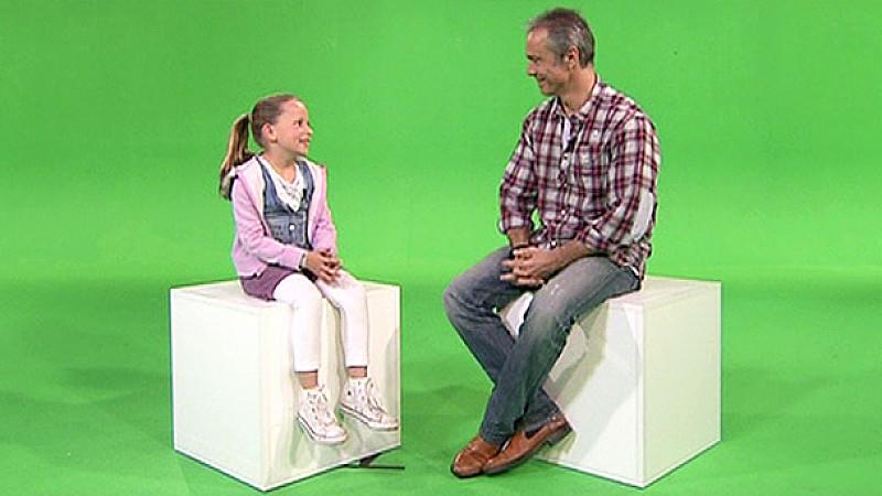 Kleine Aurelia trifft Filmpartner Hannes Jaenicke