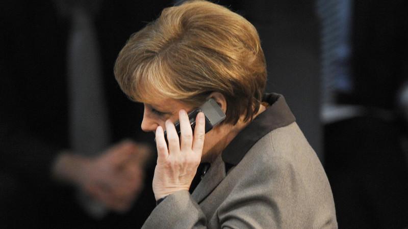 Erst vor kurzem soll der Geheimdienst NSA die Abhöraktion gegen Kanzlerin Merkel gestoppt haben.