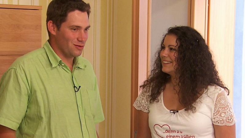 Bauer Sucht Frau 2013 Brian Putzt Für Sylvia Das Badezimmer