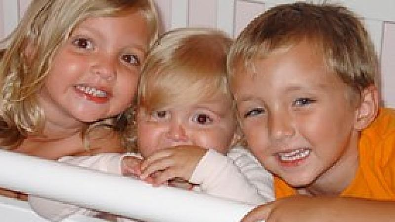 Drillinge nach Unfalltod der Kinder: Das Wunder der Familie Coble