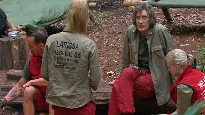 Dschungelcamp 2014: Winfried Glatzeder und Larissa Marolt streiten um Zigarette