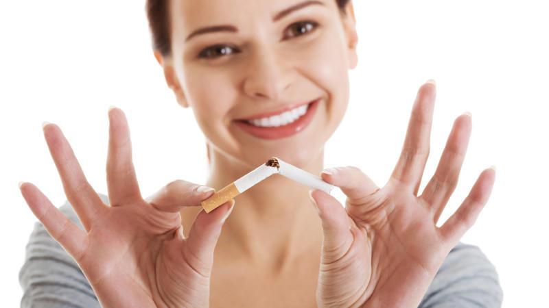 Rauchen aufgeben: Halten Nikotinpflaster und Co. was sie versprechen?