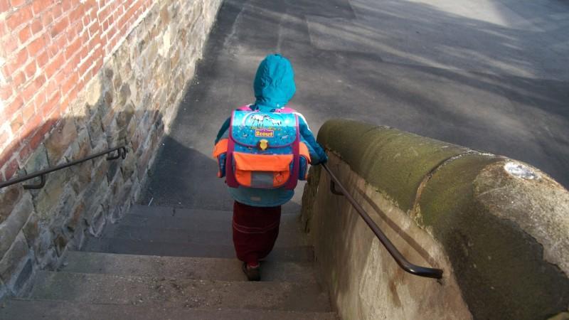 Rostock: 13-Jähriger geht mitten in der Nacht zur Schule (Symbolbild)
