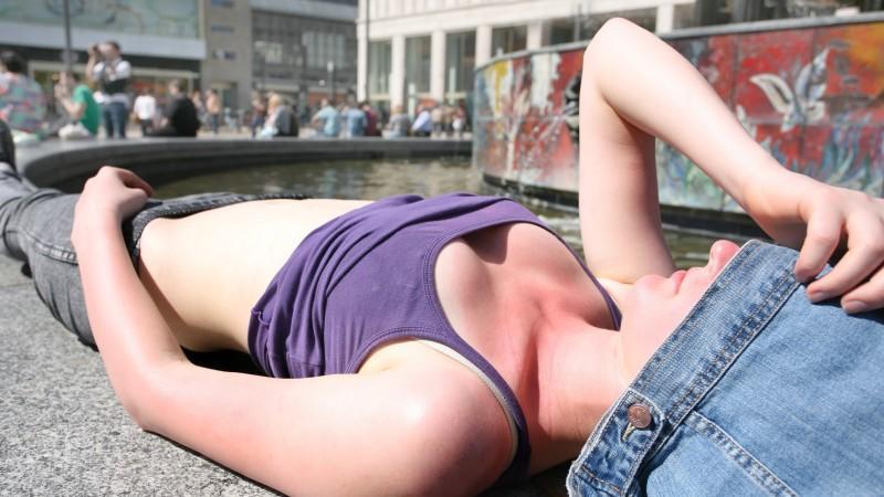 Sonnenbrand, Blasenentzündung & Co.: Diese Leiden drohen im Sommer
