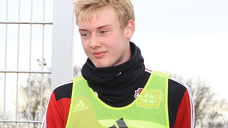 Bayers Youngster Julian Brandt hat in Leverkusen den nächsten Karriereschritt gemacht.