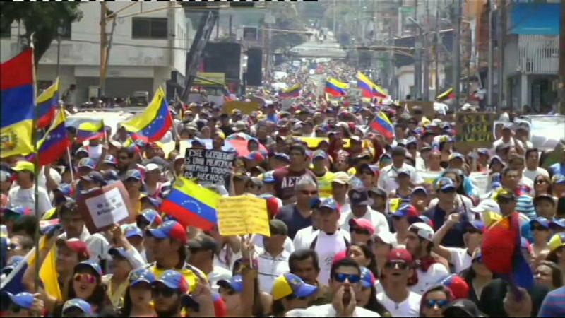 In Venezuela protestiert das Volk gegen die katastrophale Versorgungslage.