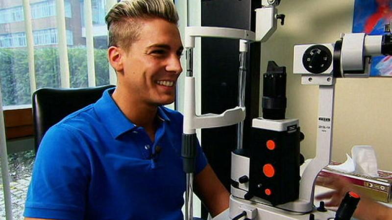 Schlagersänger Norman Langen lässt sich Kontaktlinsen in die Augen operieren