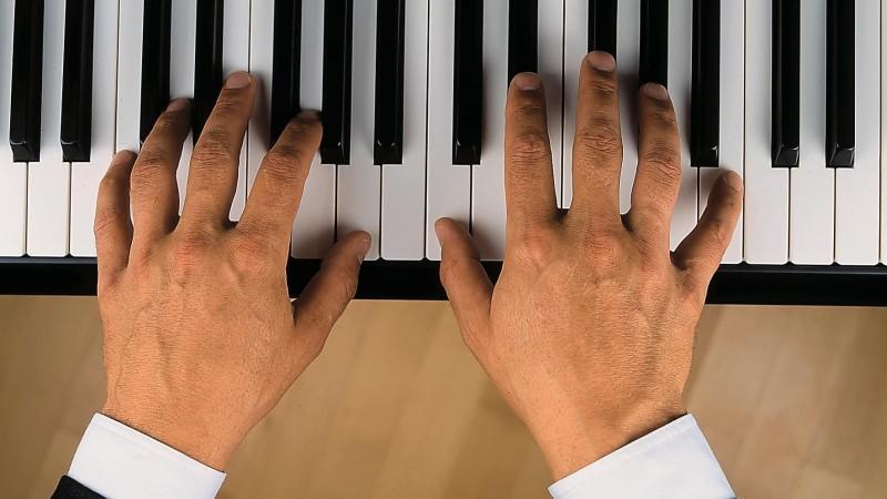 Klaviermusik gegen Covid 19: Italienischer Arzt motiviert Kollegen und Patienten