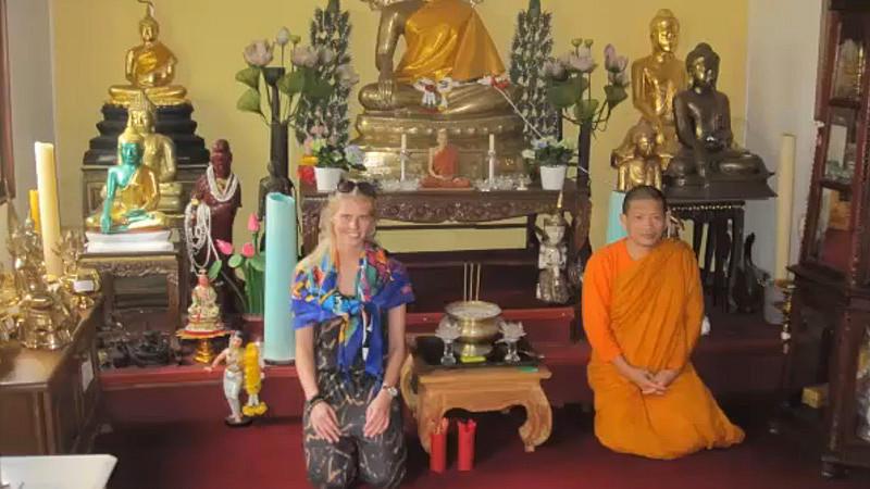 Auch der Besuch im buddhistischen Tempel hat nicht in Asien stattgefunden