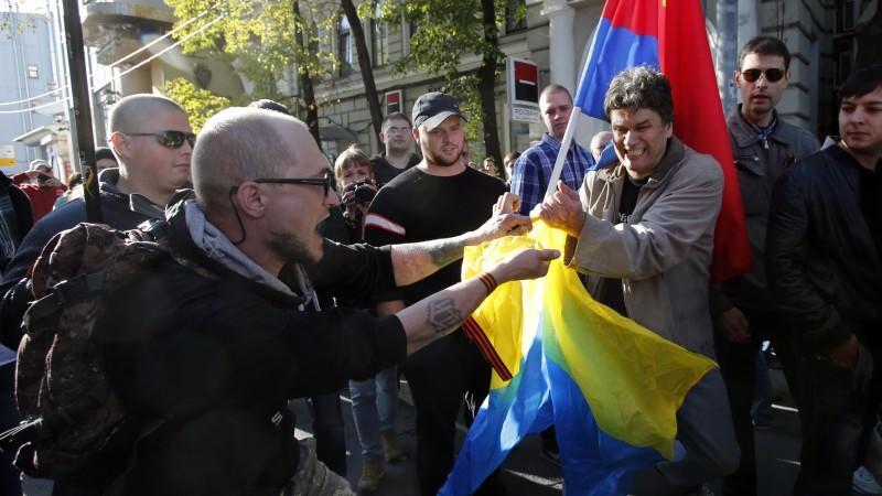 Bei den Protesten der Oppositionellen in Moskau ging es nicht immer friedlich zu.
