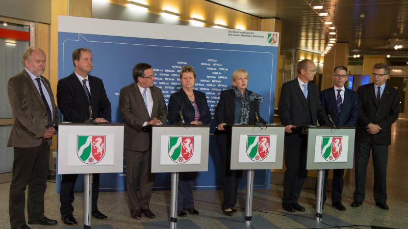 Nordrhein-Westfalen will die Kommunen bei der Flüchtlingsarbeit mehr unterstützen.