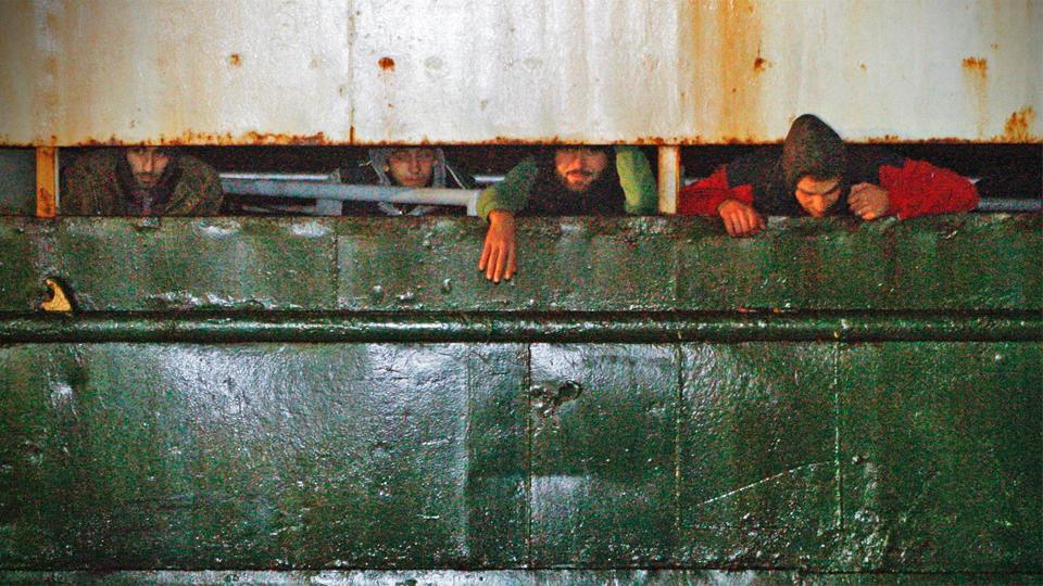 450 Flüchtlinge erreichen Hafen von Corigiliano Calabro