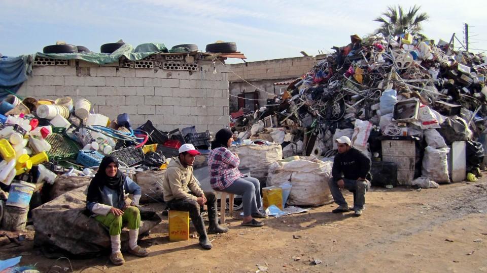Syrische Flüchtlinge in einem Slum von Tripoli.