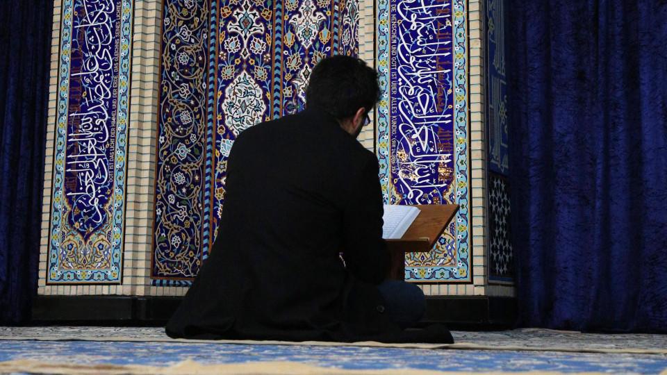 Gastprediger Abdel Moez al-Eila hielt in der Al-Nur-Moschee eine schockierende Predigt (Symbolbild)