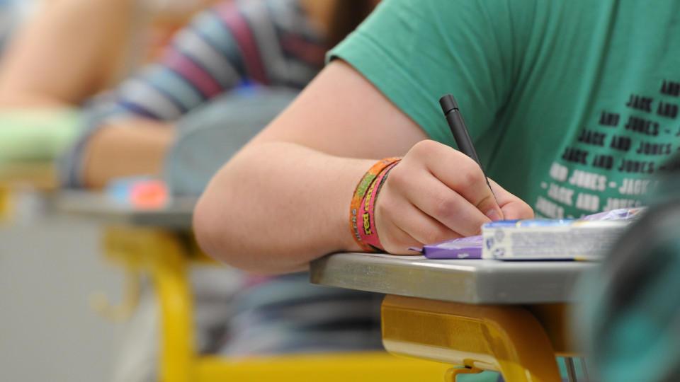 Es gibt weniger Menschen  in Deutschland ohne Schulabschluss als noch 2010.