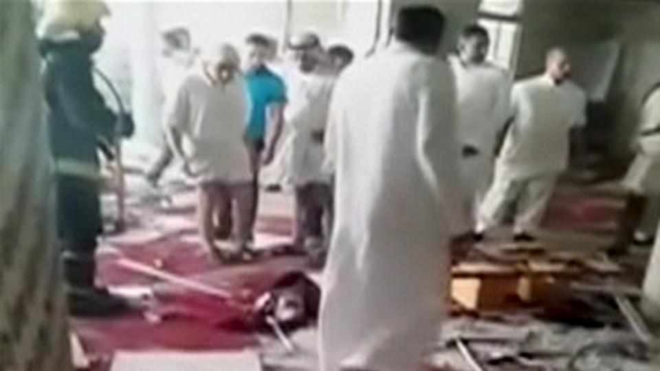 Mindestens 22 Menschen sind bei einem Selbstmordanschlag im Osten von Saudi-Arabien getötet worden.