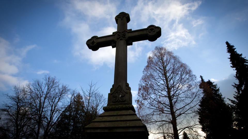 Die Kirchen wollen die organisierte Sterbehilfe abschaffen lassen.