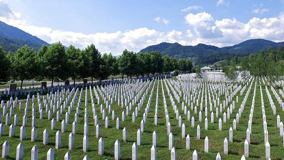 Serbiens Regierungschef reist zu Völkermord-Gedenken nach Srebrenica