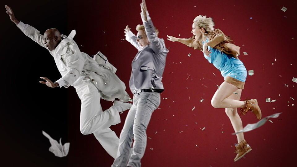 Die Supertalent-Juroren Dieter Bohlen, Inka Bause und Bruce Darnell werden weggeblasen