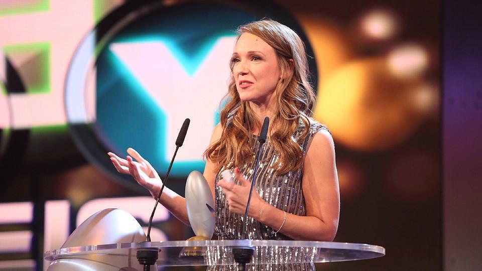 """Carolin Kebekus moderiert den """"Deutschen Comedypreis 2015""""."""