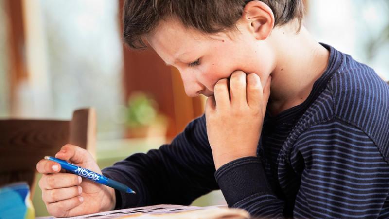 Meistens wird eine Dyslexie in den ersten Schuljahren entdeckt