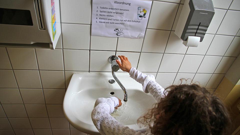 In Schultoiletten ist Hygiene ein Fremdwort
